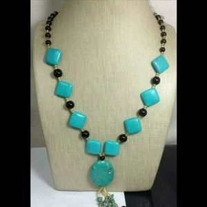 turquoise chalk necklace 30 inch w black & seed be